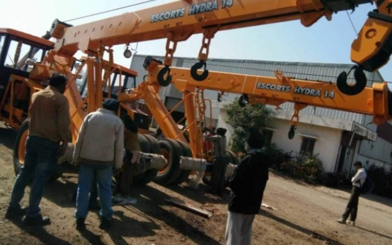 Top Cranes On Hire 10 Tons Hydra in Atrauli - Best Cranes On