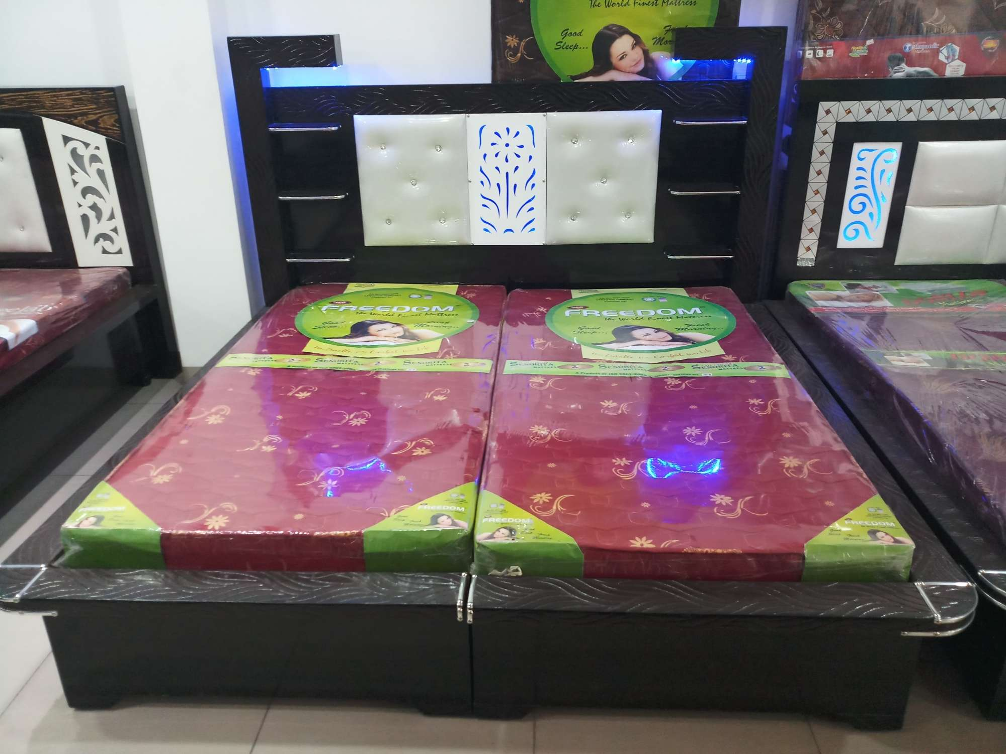 Kamal Tele Shop New Subhash Nagar Electronic Goods Showrooms In  # Catalogue Table Tele