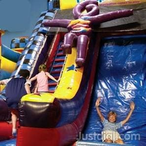 Pump it up lynnwood party invitations ideas for Lynnwood swimming pool schedule