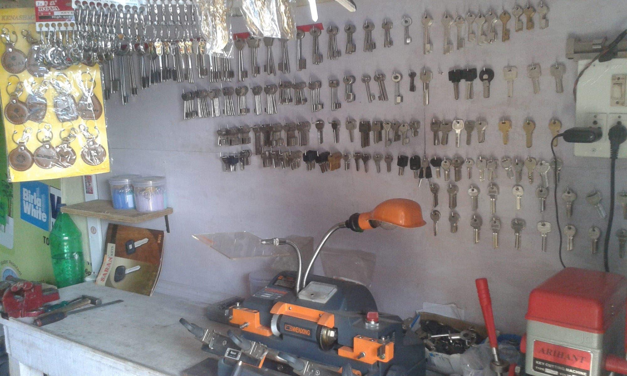 H K Key Maker, Cunningham Road - Duplicate Key Makers in Bangalore -  Justdial