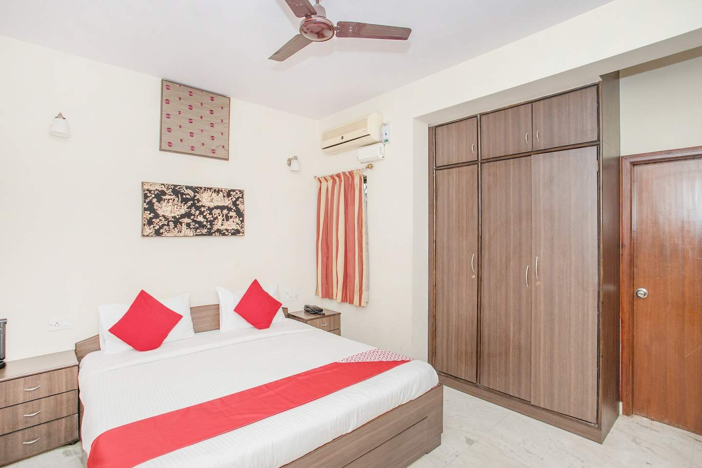 Top Guest House (rs 500 & Below) in Dollars Colony-RMV 2nd Stage