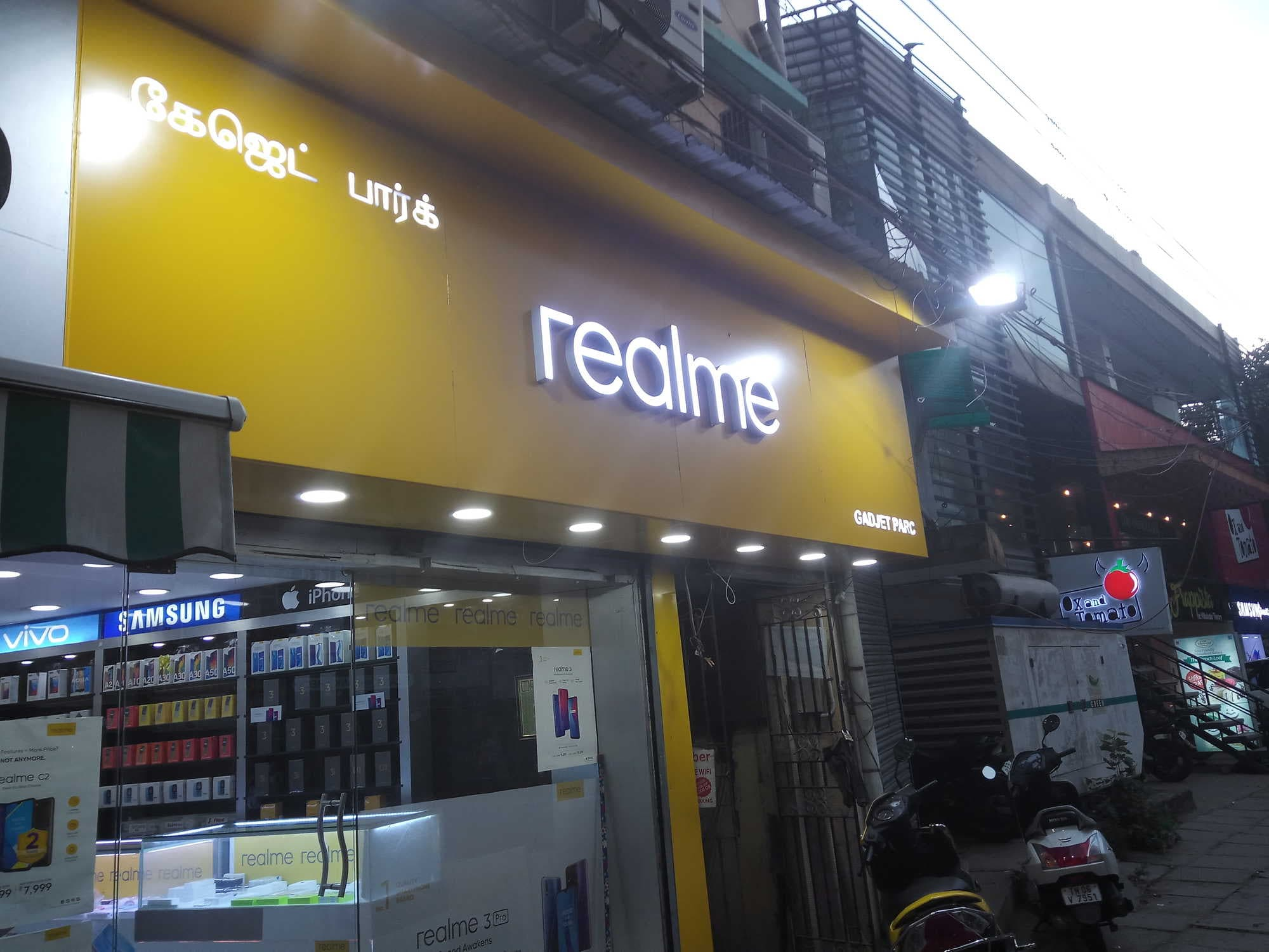 Gadjet Parc Realme Mobile Shop, Alwarpet - Mobile Phone Dealers in Chennai  - Justdial