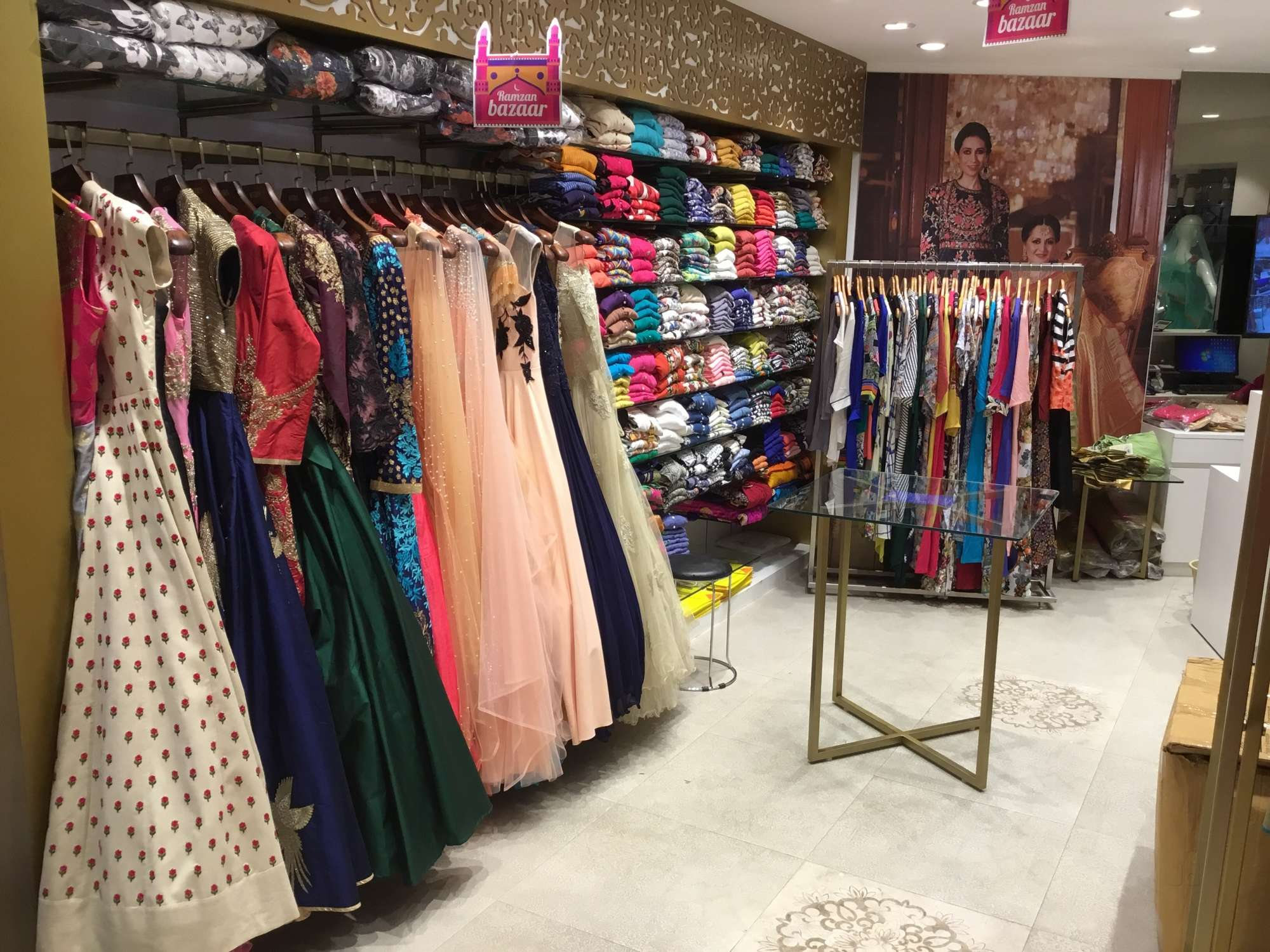 Find list of Neerus Stores in Anna Nagar - Neerus Outlets Chennai
