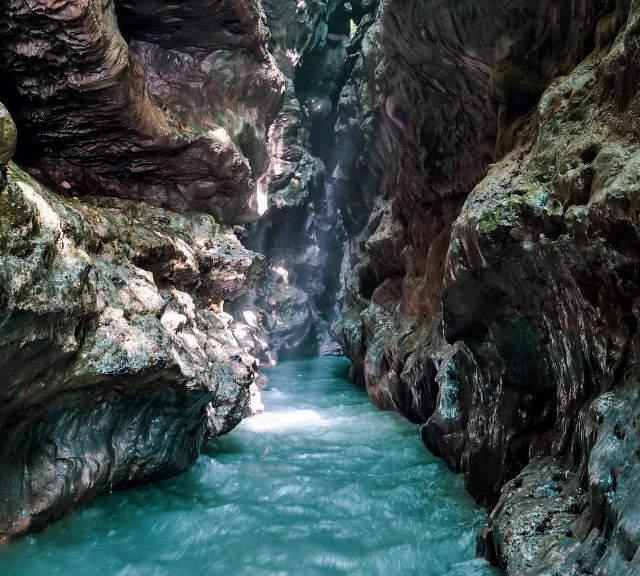 Robbers cave - top attractions in Dehradun