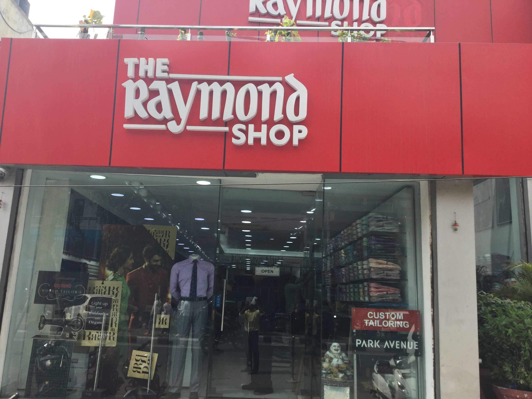 Top 100 Readymade Garment Shop in Delhi - Best Readymade Clothing