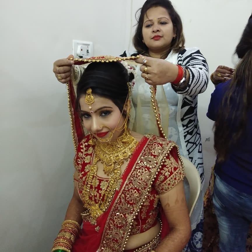 Makeup Artists in Maujpur, Delhi