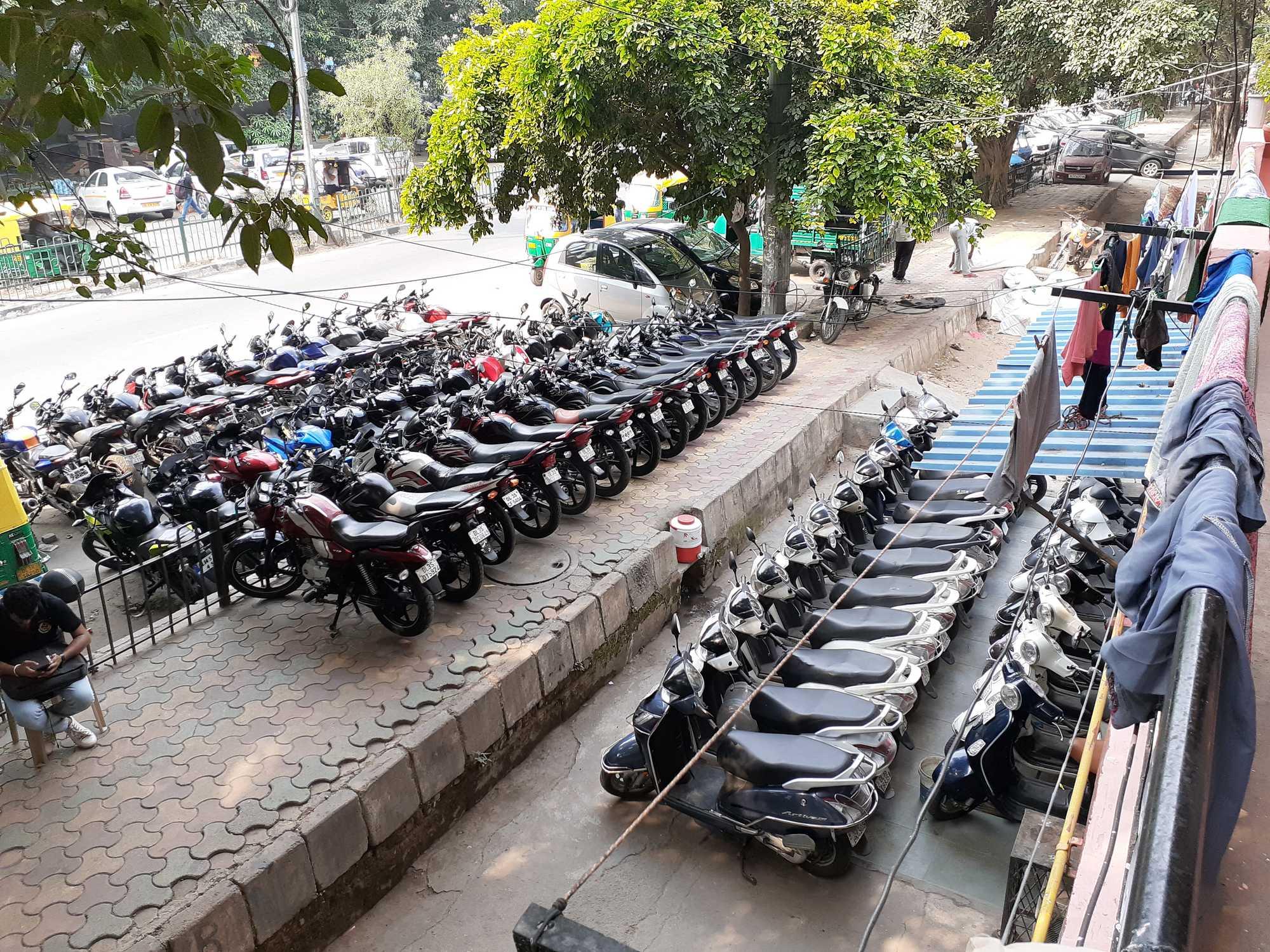 New Friends Motors Lajpat Nagar 1 Second Hand Motorcycle