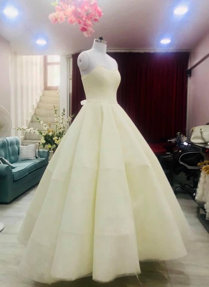 Top Gown Wholesalers in Lajpat Nagar - Best Evening Gown Wholesalers ...