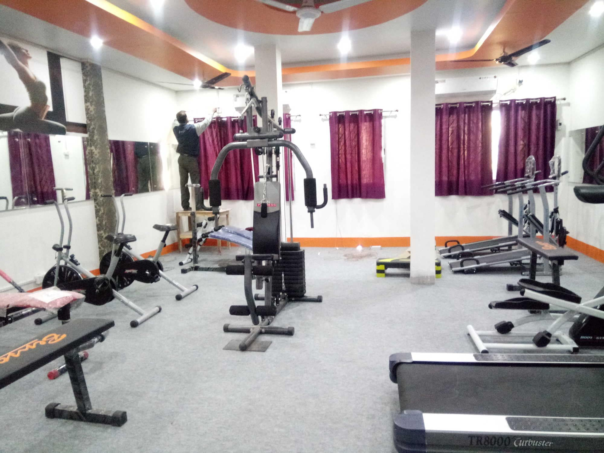 Top gyms in dhanbad best body building fitness centres