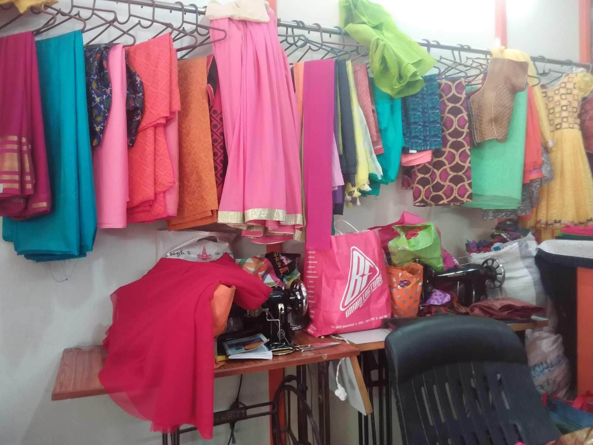 f50855ff54e Top 100 Boutiques in Miyapur