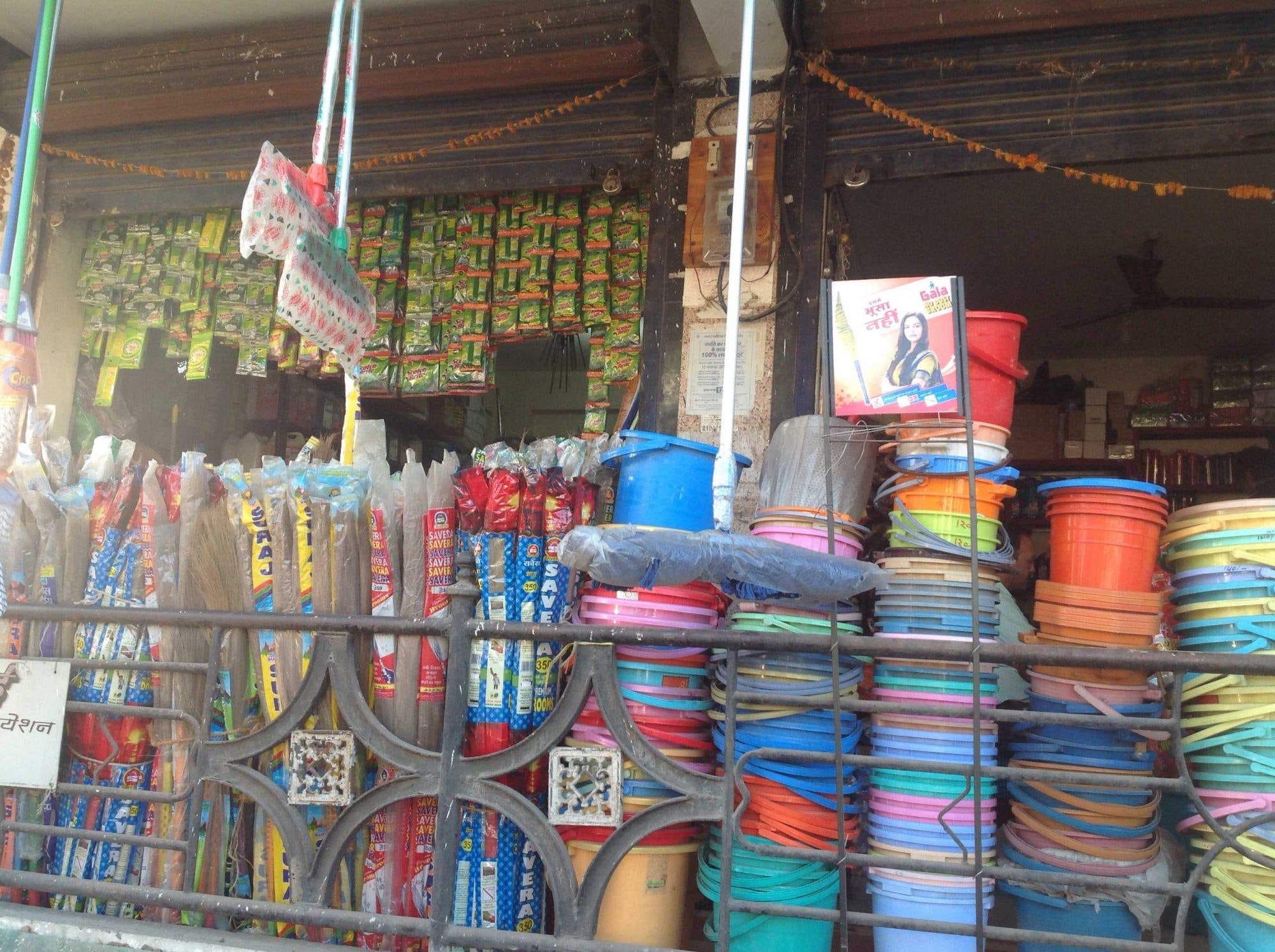Top 3 Phenyl Dealers in Lasudia Dewas Naka - Best Phenyl Suppliers