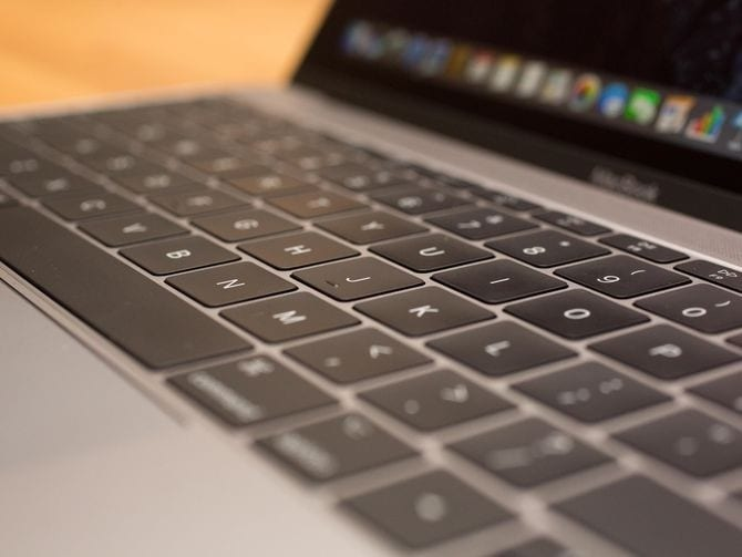Apple's 2018 MacBook Pros try to fix 'flexgate' issue