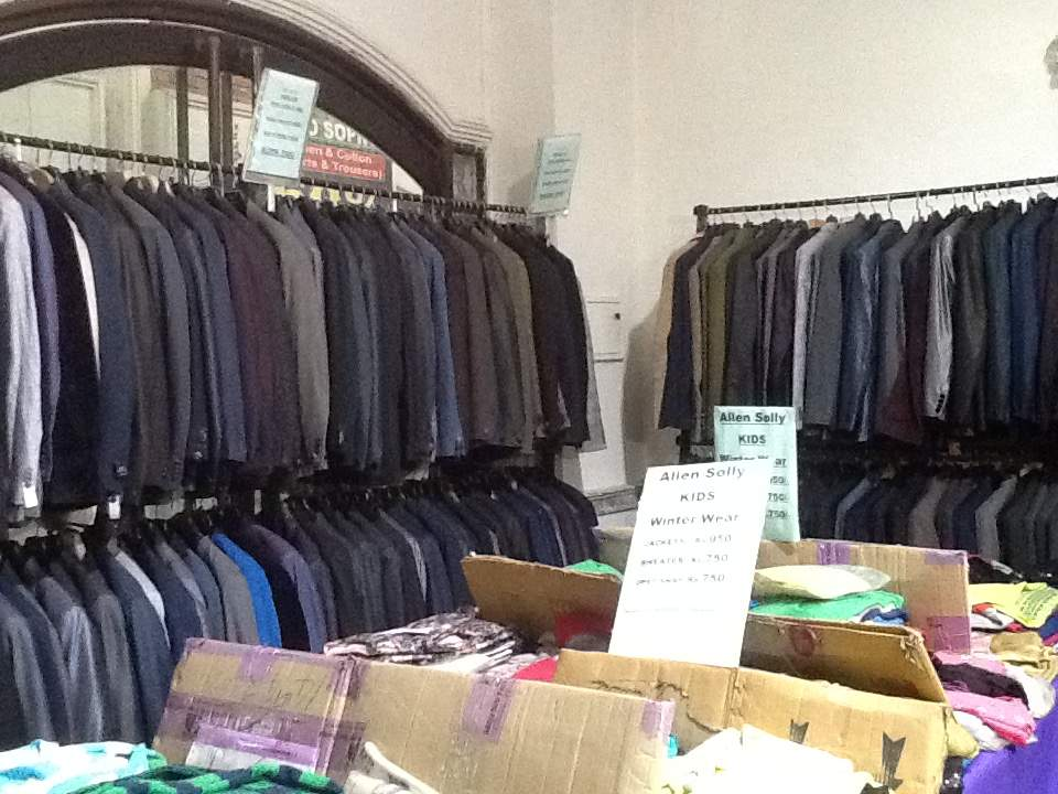 Top Branded Export Surplus Garment Wholesalers in Hazratganj