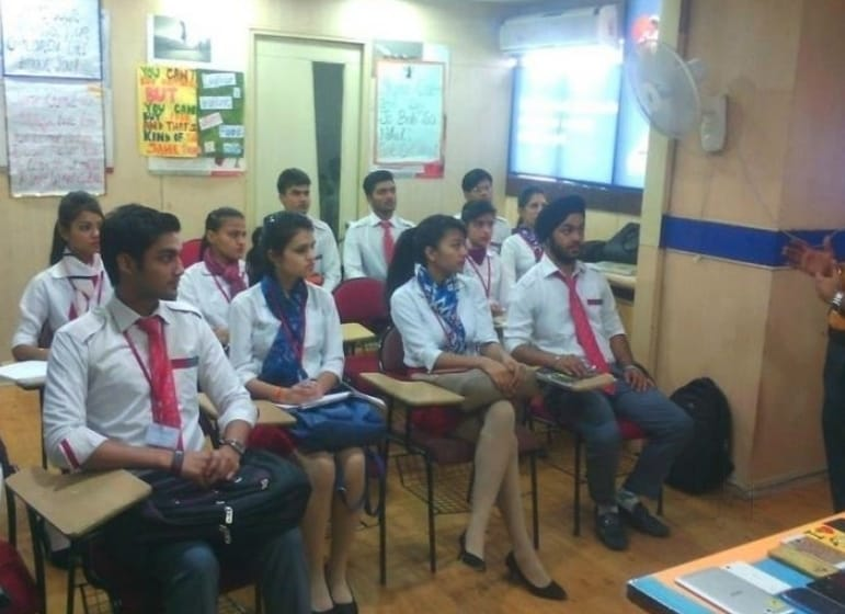 Top 30 Air Hostess Training Institutes in Lucknow - Best Air Hostess