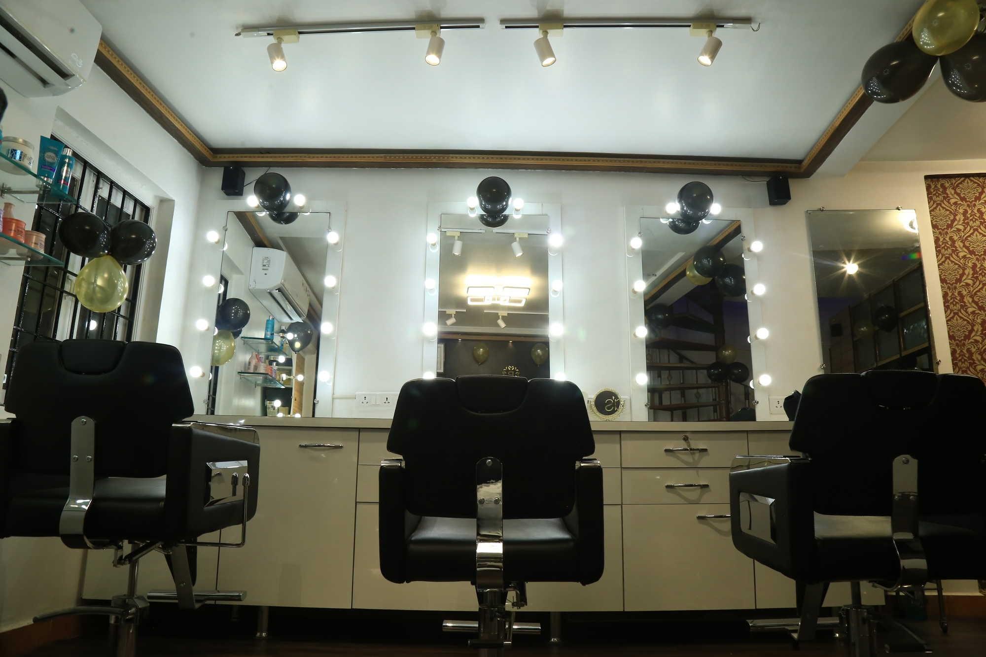 The Priyas Makeup Clinic And Academy
