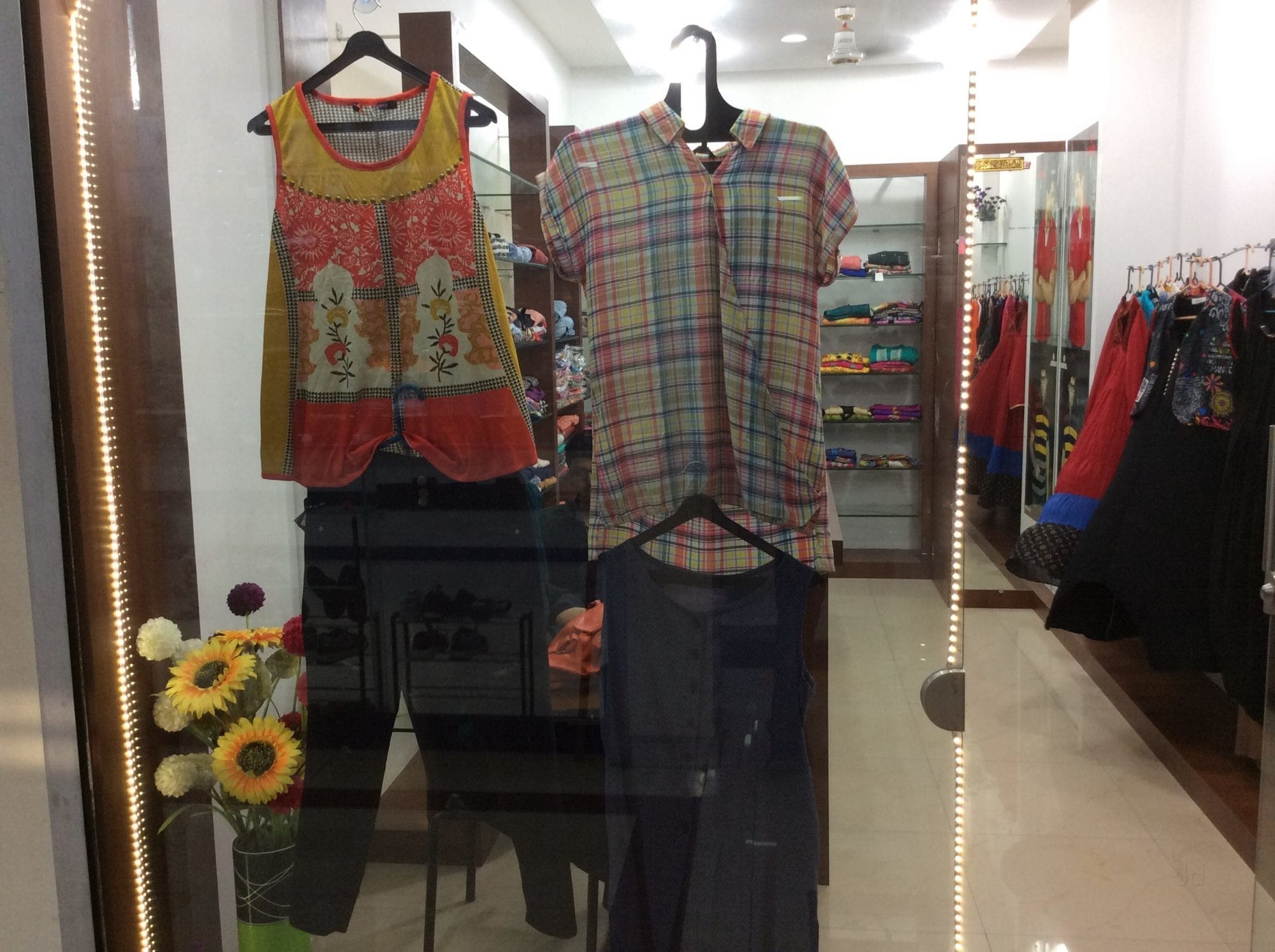 81b5d82997 Top 50 Boutiques near Dattani Square Shopping Mall-Vasai Road West ...