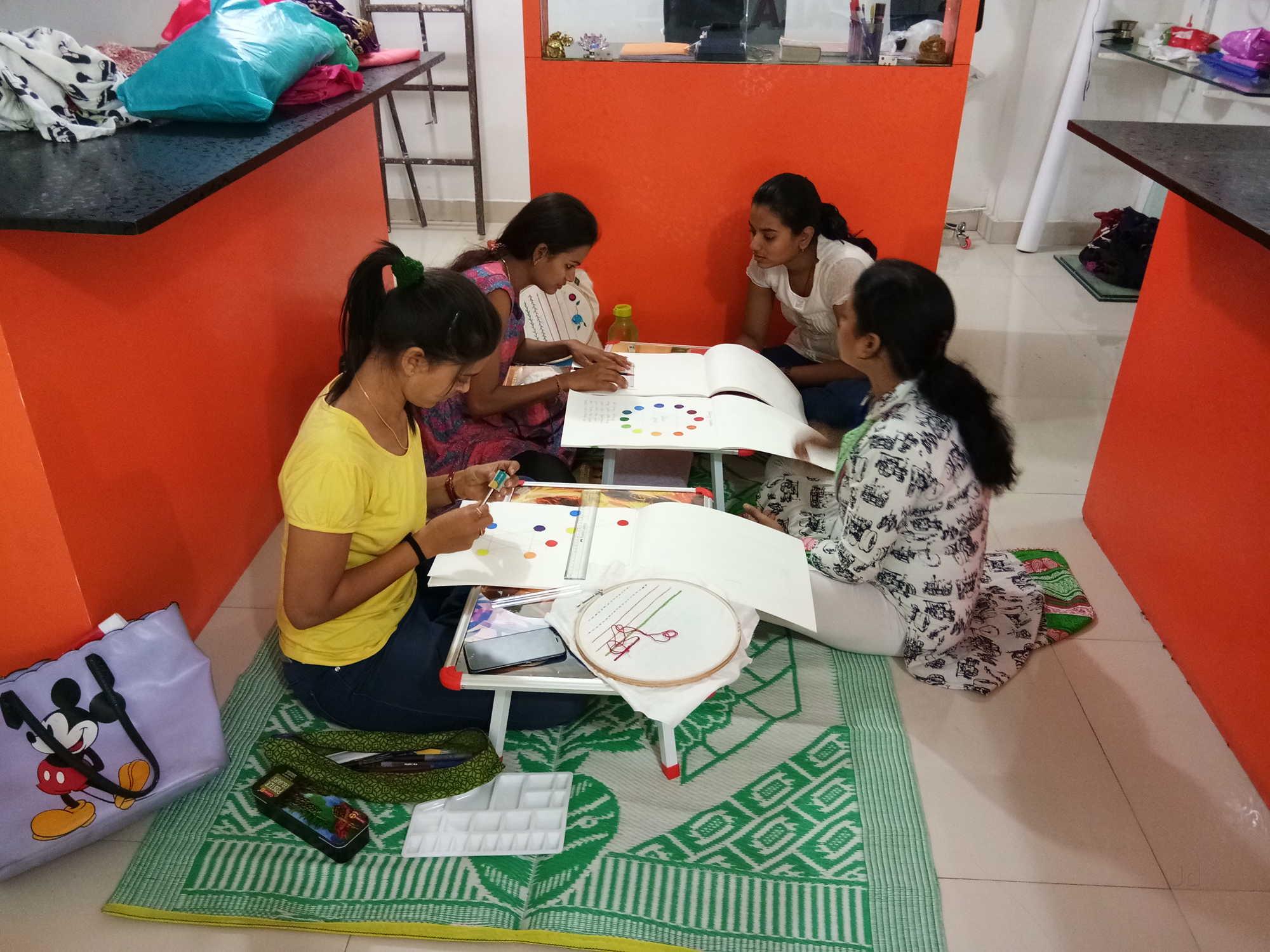 Naman Fashion Designing Classes Pal Bhatha Fashion Designing Institutes In Surat Justdial