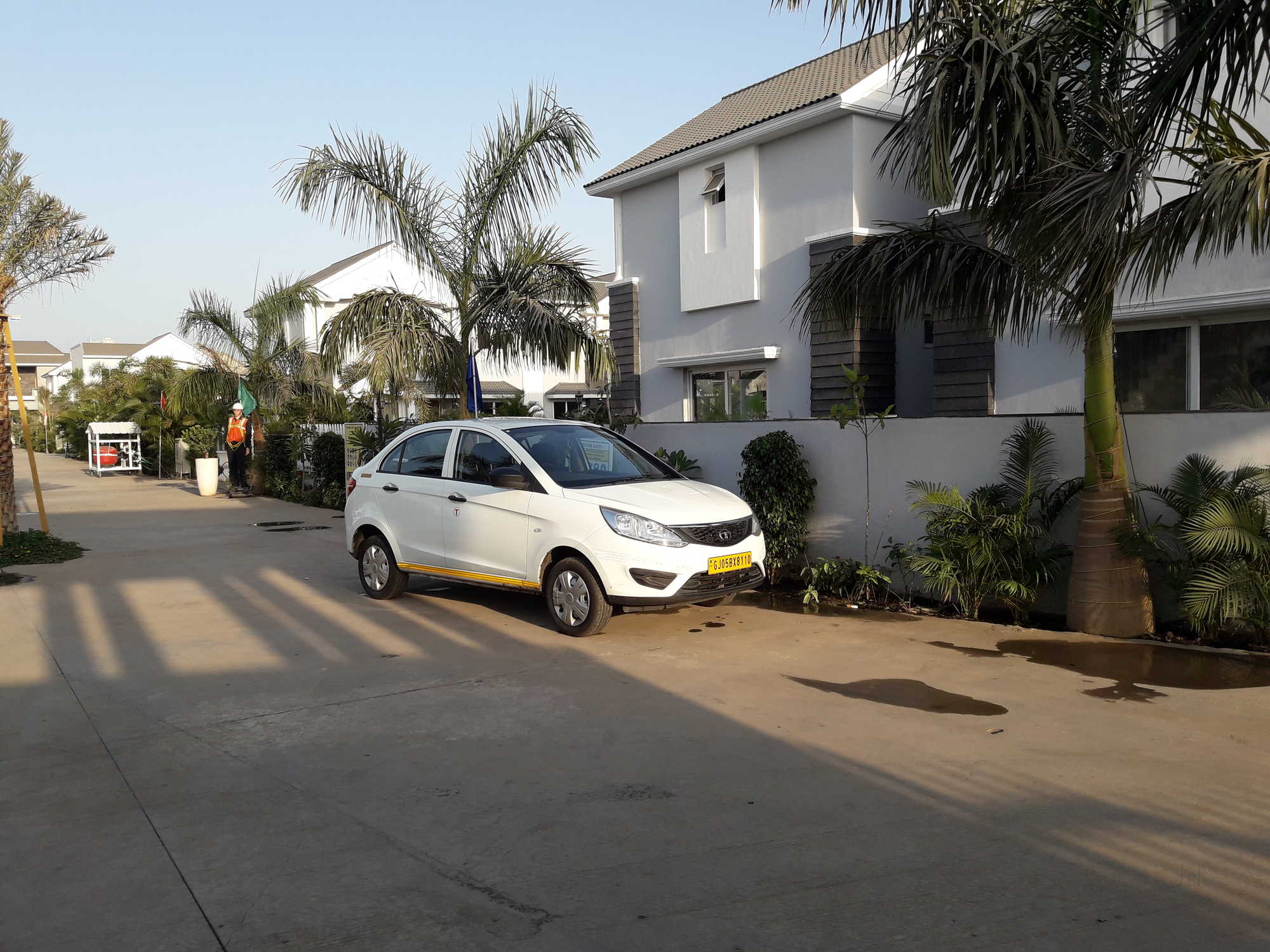 Heena Taxi Service, Udhna - Car Rental in Surat - Justdial