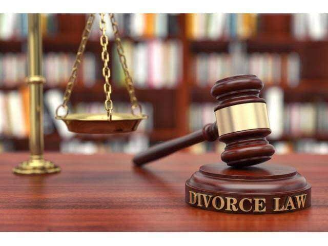 Divorce Lawyer at Best Price