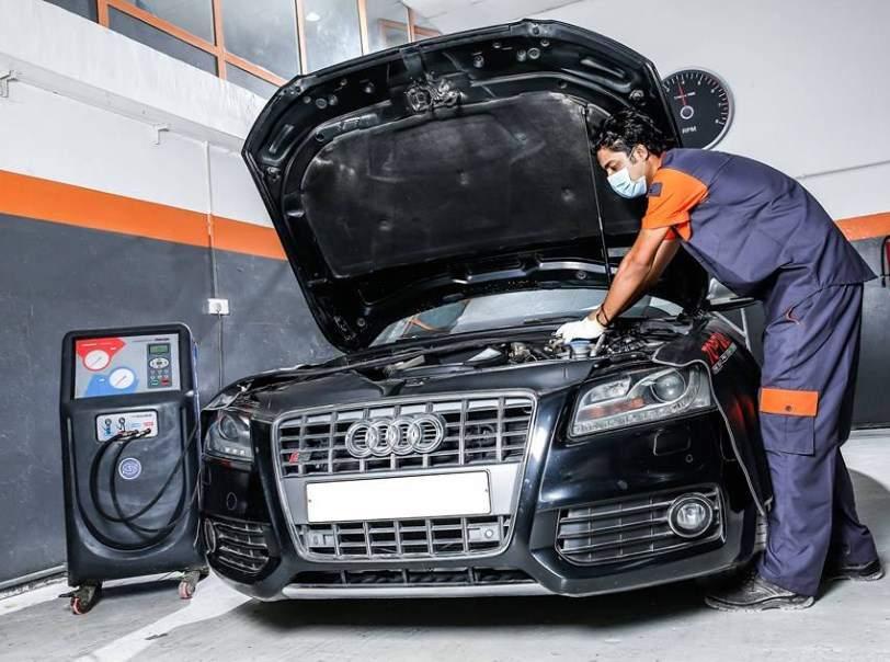 Fantastic Auto Maintenance Workshop, near bu danig, Sharjah